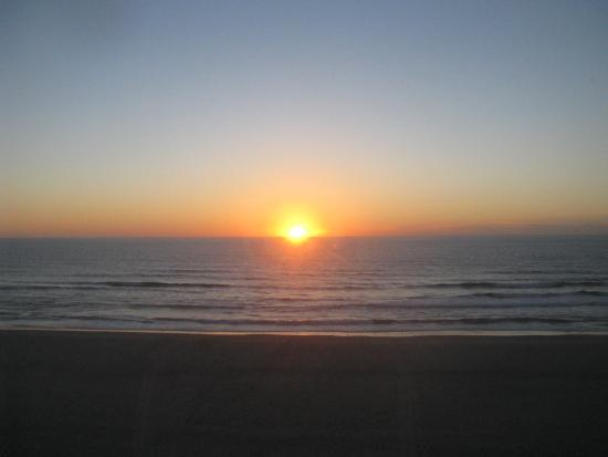 Lincoln City, Орегон: Sunset From Our Room