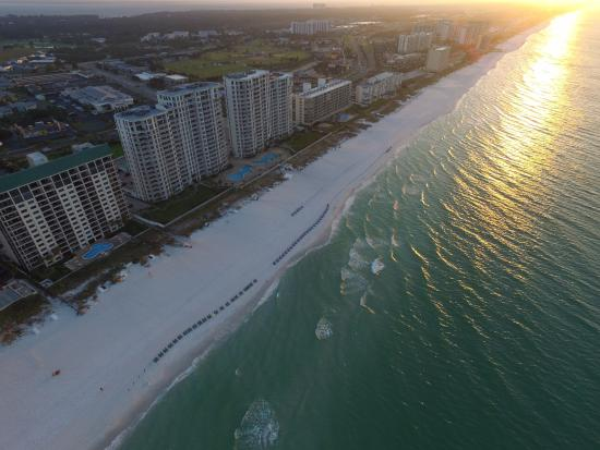 Sundestin Beach Resort Sunrise In Destin Fl Sun Reflecting Off Water