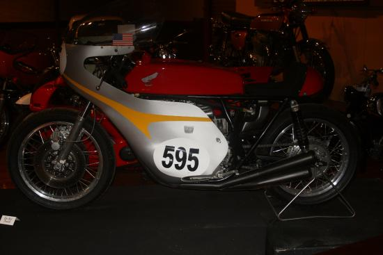 Larz Anderson Auto Museum - Museum of Transportation: bikes and cars