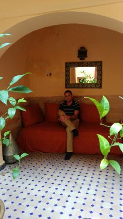 Dar Latifa : bonito sitio