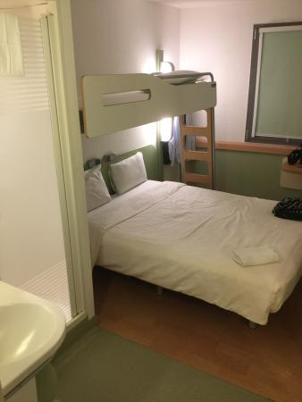 Ibis Budget Brussels South Ruisbroek: Sea cabin chic