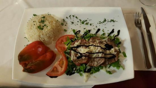Restaurante Grill Los Abuelos: Es una siempre una  experiencia muy grata comer aquí. Comida y trato expectacular.