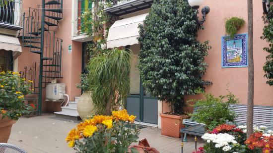Hotel Villa Romeo: Garden