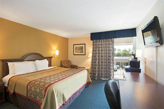 Days Inn Charlotte/woodlawn Near Carowinds: Non-Smoking King Bed