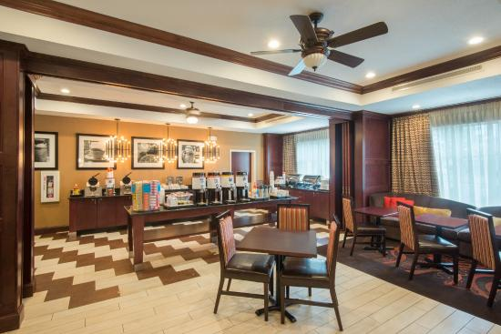 Hampton Inn Kingston: Dining and Breakfast Area