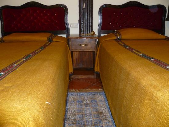 Hotel Burkhard: Habitacion doble Q150.00 por noche (aplica fin de semana)