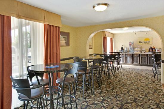 Days Inn Charlotte/woodlawn Near Carowinds: Breakfast Area