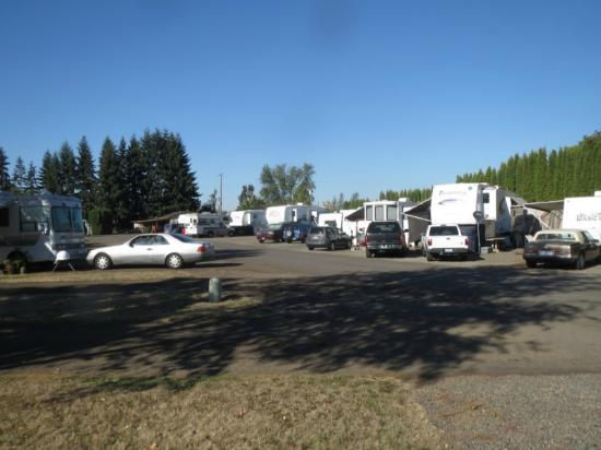 Eugene Kamping World RV Park