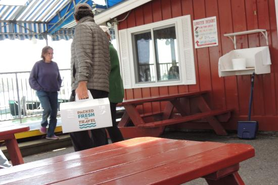 South Freeport, ME: carry out lobster