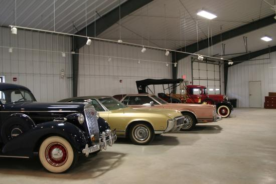 Larned, KS: Car exhibit