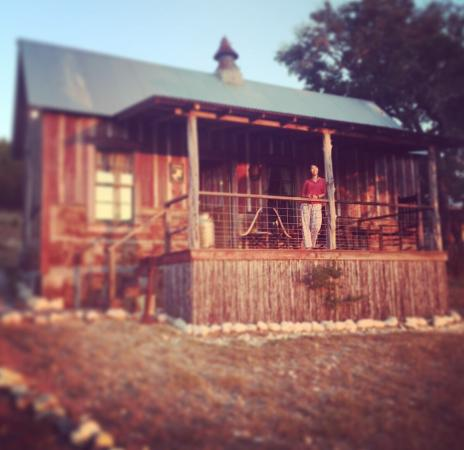 Picture of cabins at red rock fredericksburg for Cabins near fredericksburg tx