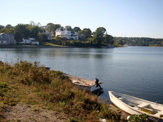 Vinalhaven, ME : Carver's tidal pond, rear of Tidewater Motel
