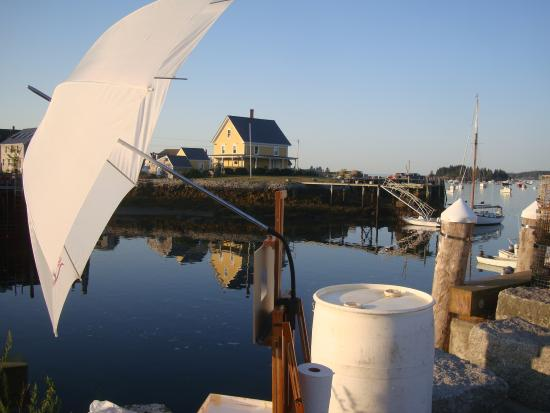 Vinalhaven, ME : Carver's Harbor with Artist setup