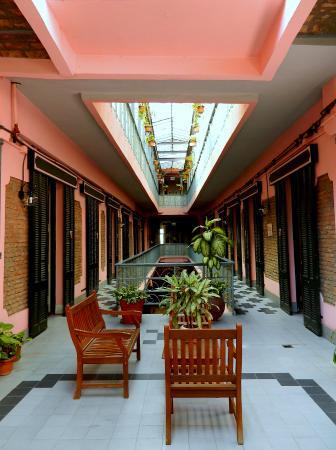 Gran Hotel Hispano : Estar en pasillo