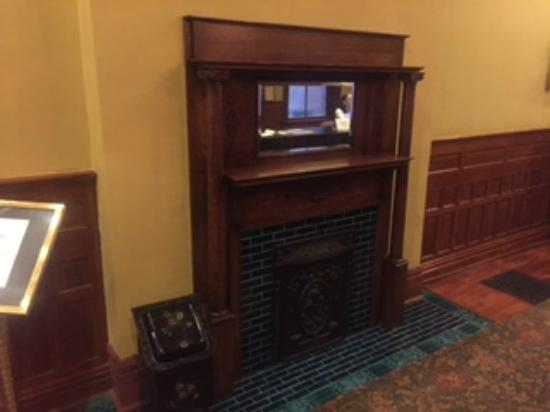 The Fitzpatrick Hotel: Lobby Fireplace