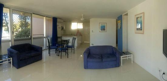 The Sands Holiday Apartments: 2 Bedroom Apartment Lounge