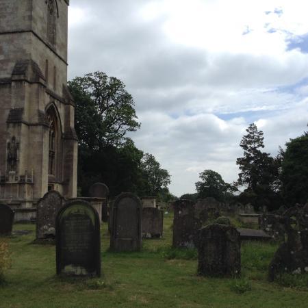 Corsham Court: Cementerio