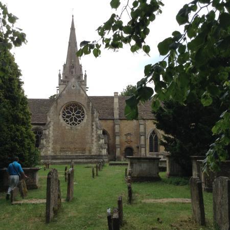Corsham Court: Capilla desde el cementerio