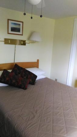 Auld Farm Inn B & B: Bedroom