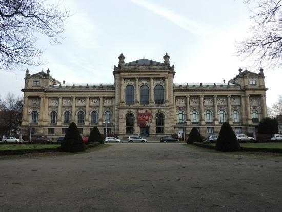 Lower Saxony State Museum (Niedersachsisches Landesmuseum Hannover) : Fachada do museu