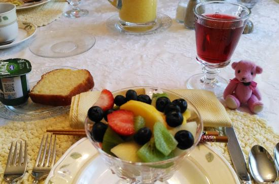 Azelia Farmhouse B & B: Breakfast