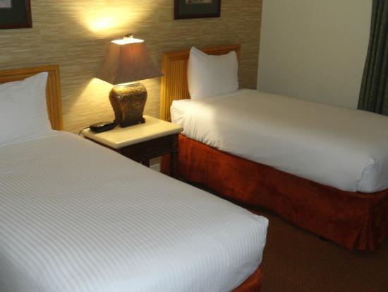 Parkway International Resort: Twin Beds in second bedroom