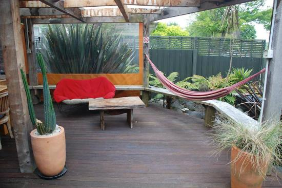 Riverstone Backpackers: Riverstone Deck
