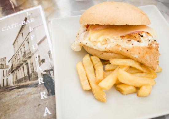 Cafe-Bar la Alpujarra: Huevo, Jamón York y Queso