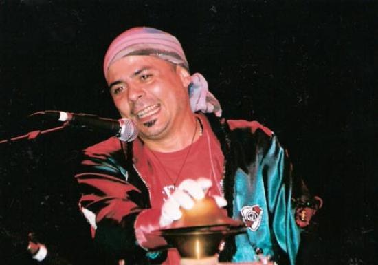 Ariel PRAT canta canciones de su murga en LA PAILA