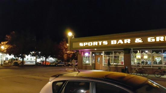 Grizzly Sports Bar & Grill