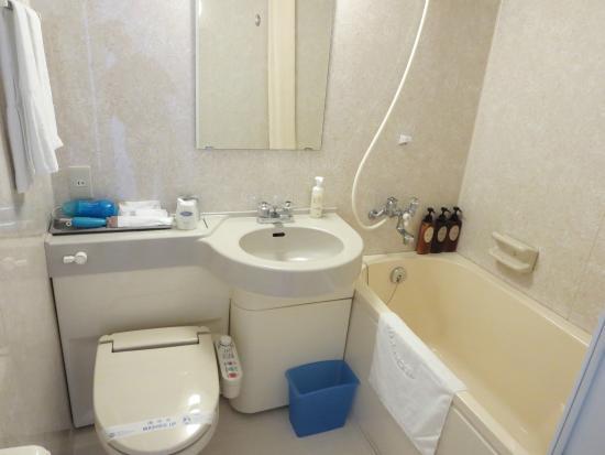 Kochi Kuroshio Hotel: 洗面・浴室