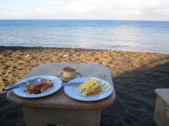 Transit Hotel: sarapan