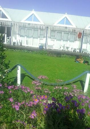 Friday Island Beach House: Spring time - Friday Island