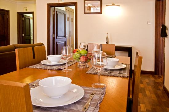 GemSuites State House : The dining area