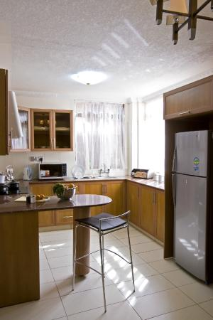 GemSuites State House : The two bedroom apartment kitchen