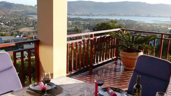 Panorama Lodge: The deck