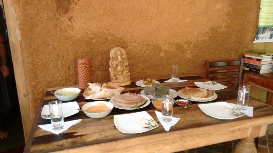 Shangri-La : repas végétarien typique à l'écolodge