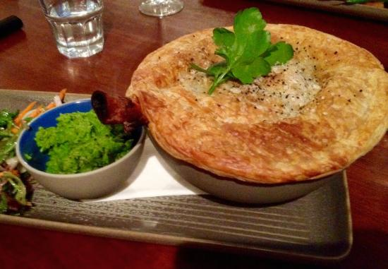 Buninyong, Australia: Love the shank bone hanging out of the pie!!