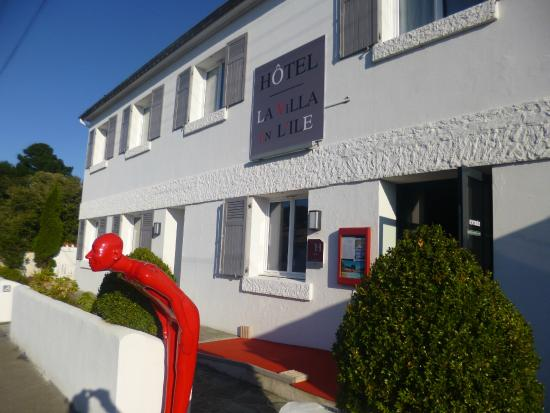 Hotel  La Villa en l'Ile: Facade