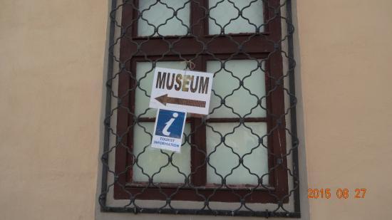 The Museum of the Urban Community of Brasov : 博物館が入っている建物の周囲は8月末現在工事中でした!