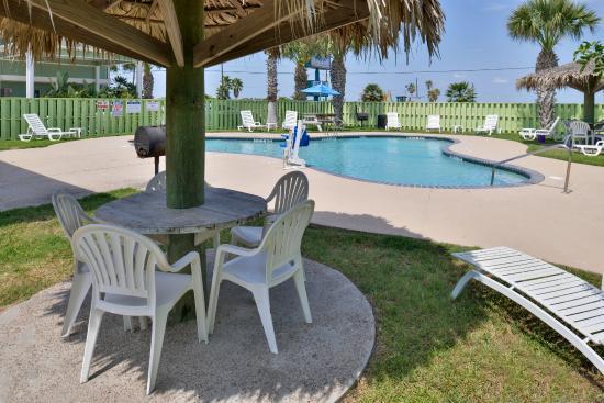 "Island Hotel Port Aransas: ""Outdoor Pool"""