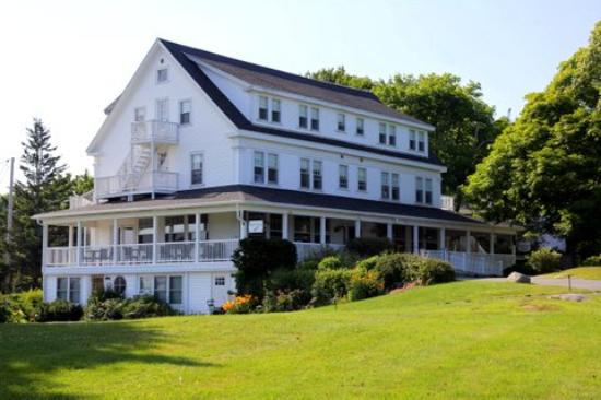 Tenants Harbor, ME: Main Inn building