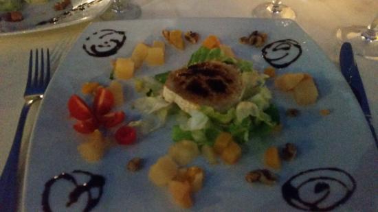 Restaurante la biznaga en nerja con cocina otras cocinas for Restaurante casa jardin