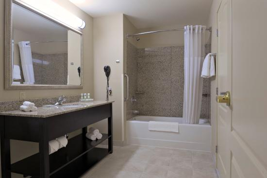 Country Inn & Suites By Carlson, Madison: Bathroom