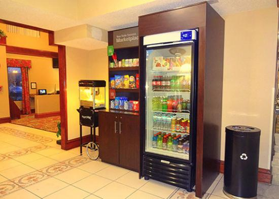 Comfort Suites Hotel - Lansing: Breakfast