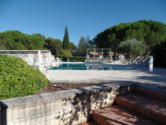 La Roque sur Pernes, França: piscine