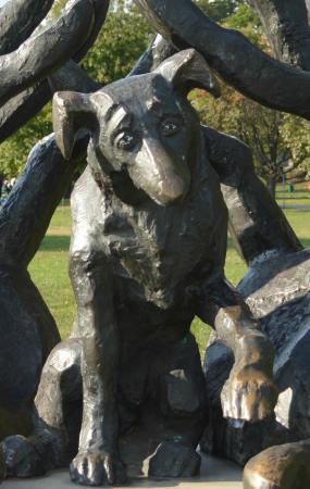 Dzok Monument: Close up of Dzok a faithful friend