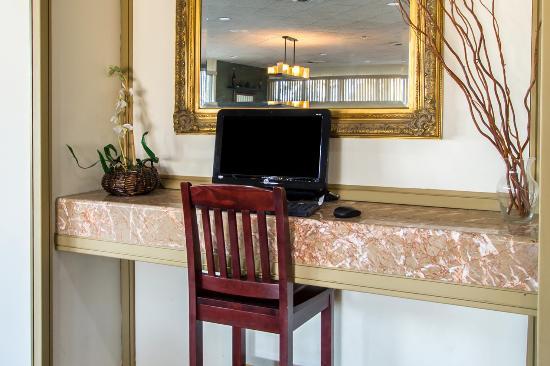 Quality Inn & Suites Sebring : Exterior