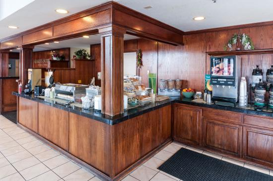 Quality Suites Albuquerque - Gibson Blvd: NMBRKFST