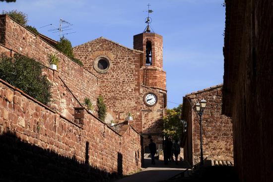 Hotel Can Fisa: Iglesia Santa Maria de Corbera